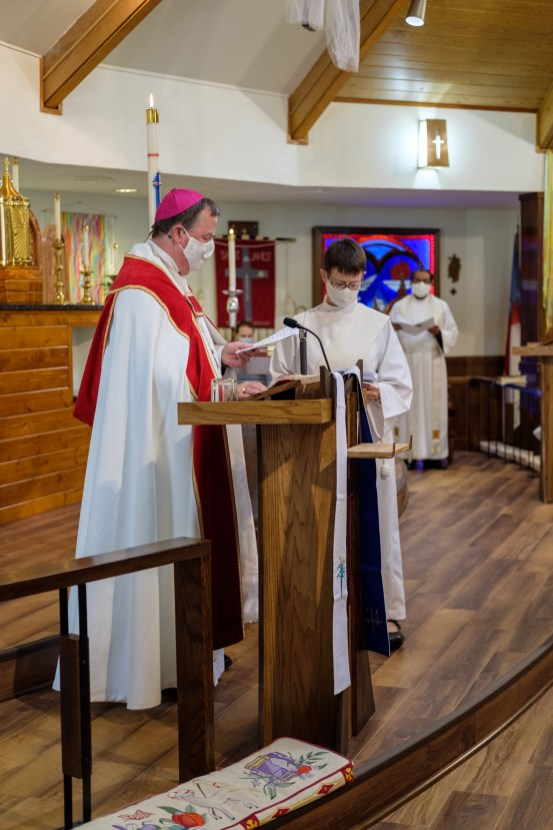 Dedication of the Lectern & Pulpit. Re-Dedication and Consecration of St. James Episcopal Church, Springfield, Missouri. Image credit: Gary Allman