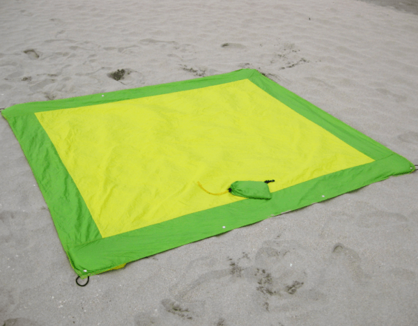 Lightweight Sand/Water Repellant Beach Blanket