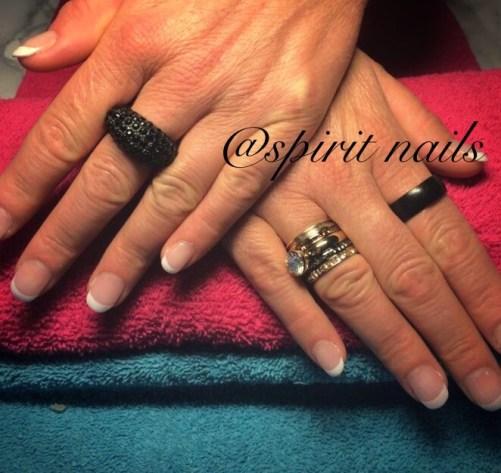 Verlenging en french manicure met acryl