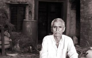 India-Man-Stands-Faithful-In-Spite-of-Persecution