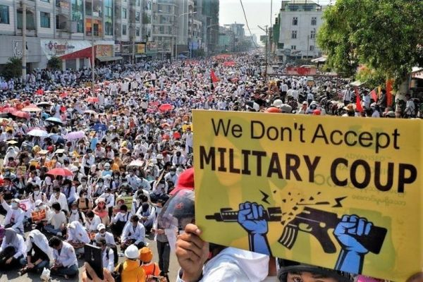Myanmar_crowd_demonstrates_against_military_coup