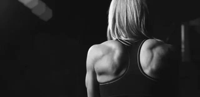 女性 肩 筋肉