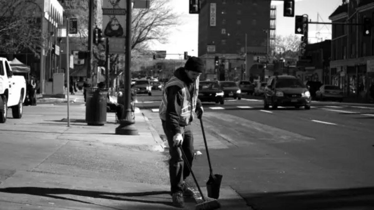 ゴミ拾い 奉仕活動 ボランティア