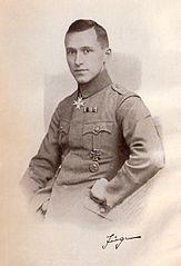 """Ernst Jünger mit dem Orden """"Pour le Mérite"""", 1921 oder 1922"""