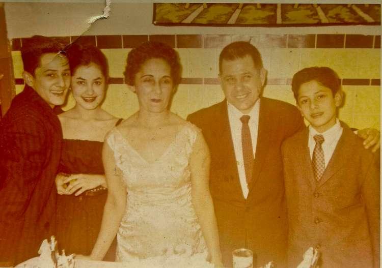 Cruz Familia.jpegLR