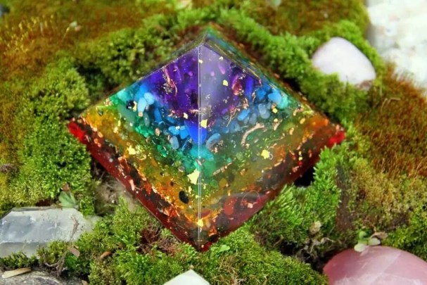 orgonite-arc-en-ciel-decoration