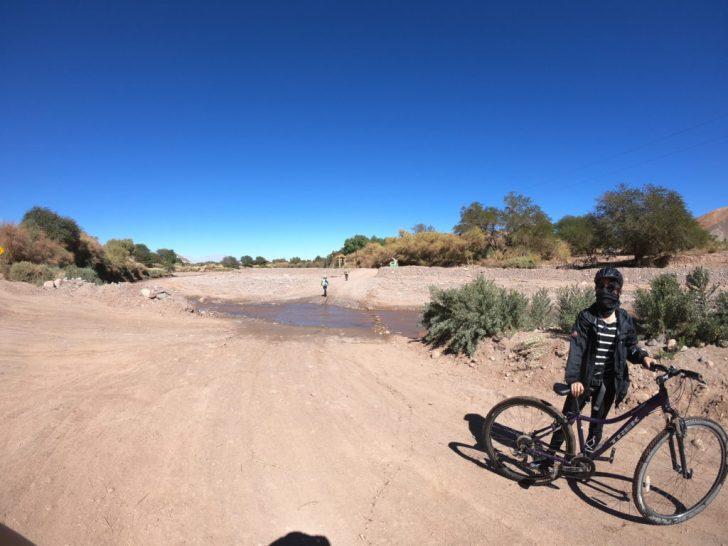 砂漠の中を駆け抜けました