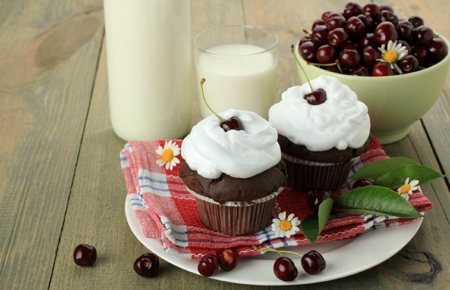 Φτιάξτε ό,τι γλυκά τραβάει η όρεξή σας με ληγμένο γάλα.