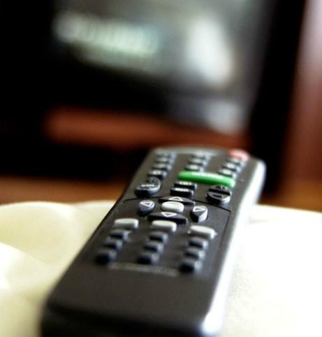 Το τηλεκοντρόλ είναι ένα από τα πιο βρώμικα αντικείμενα μέσα σε ένα δωμάτιο ξενοδοχείου.