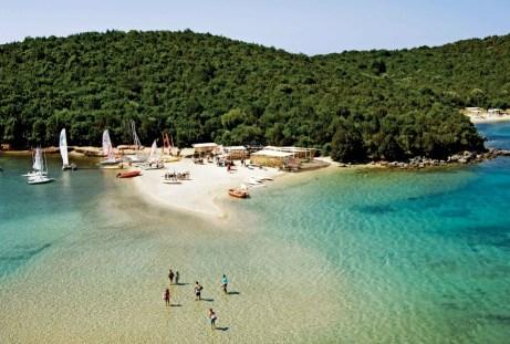 Τα Σύβοτα αποτελούν ένα από τα ωραιότερα τοπία της Ελλάδας.