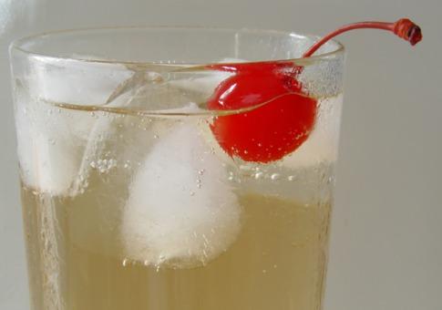 имбирная настойка придется по вкусу всей семье и наверняка составит конкуренцию лучшим спиртным напиткам