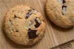Cookies med marcipan og chokolade