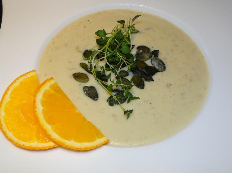Jordskokk-suppe med appelsin