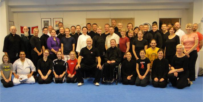 Gruppebilde fra treningssamling innendørs