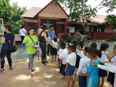 AKIDS distributing to Spitler students