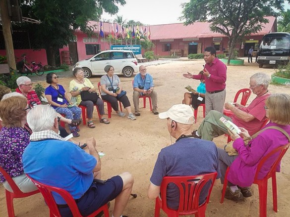 Sarin meeting with Road Scholars