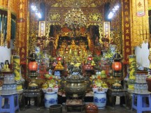 temple next to One Pillar Pagoda