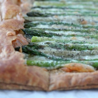 Easy (and lovely!) Asparagus Gruyere Tart