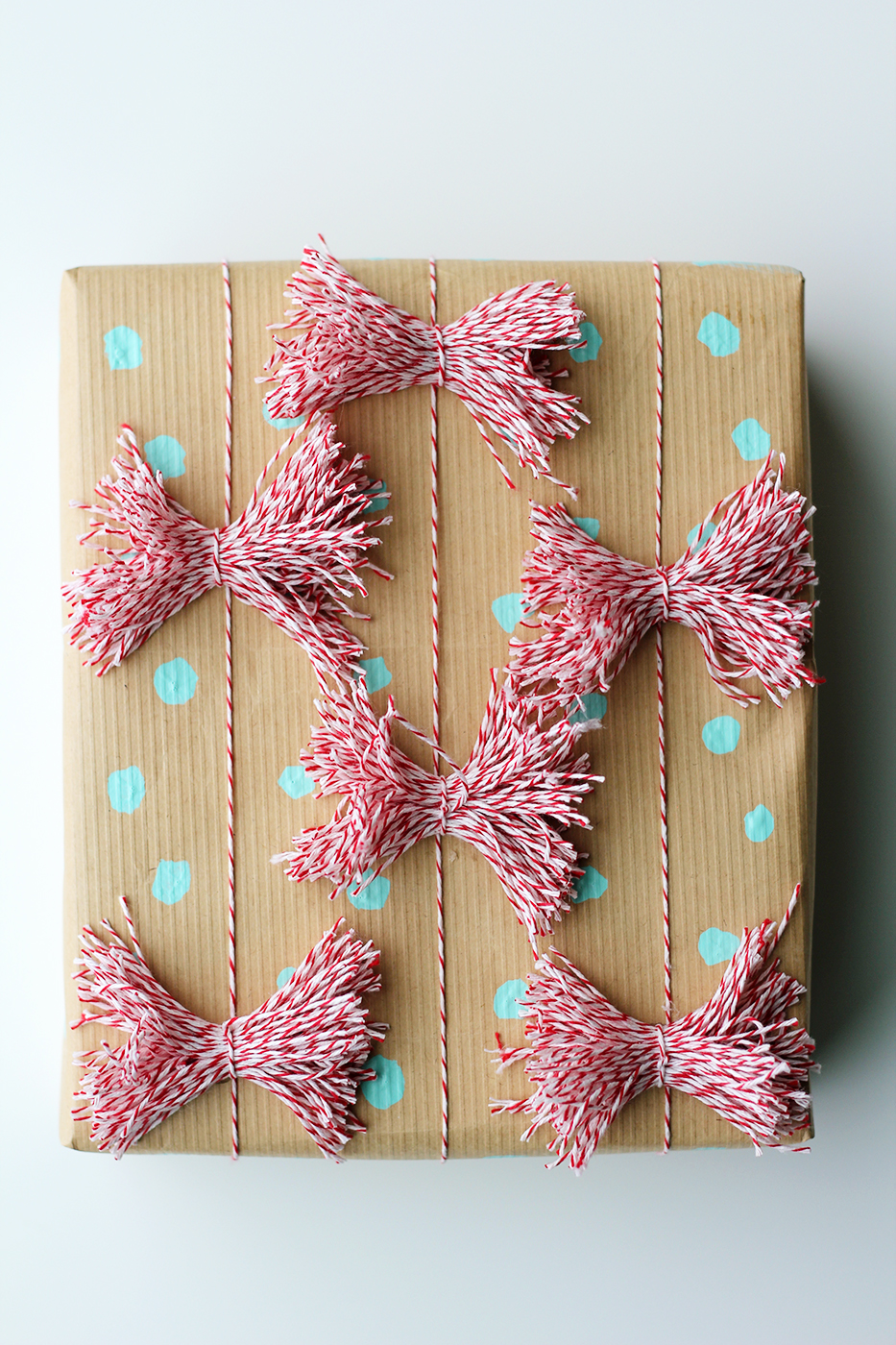 wrapper paper dots and bows