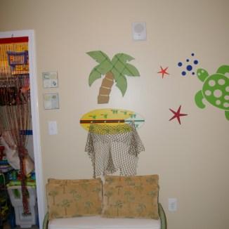 Guest bedroom decor and closet