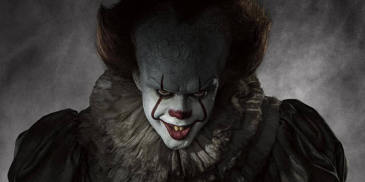 new scary photo from stephen king s it has pennywise preying upon
