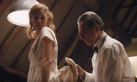 FILM REVIEW: Daniel Day Lewis Weaves Powerful Acting Into Stringy PHANTOM THREAD