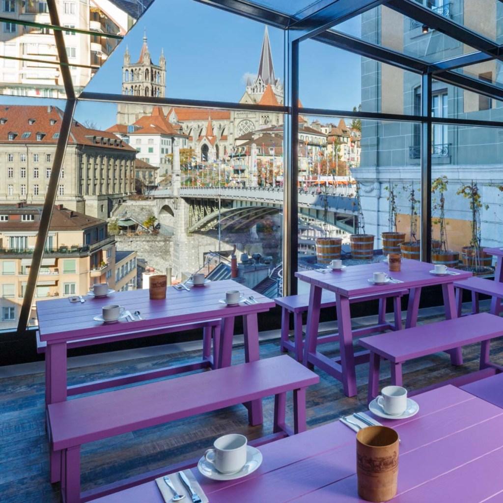 Profil Swiss Wine Hotel and Bar breakfast room view 1