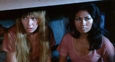 Carol (Jennifer Gan) und Elizabeth (Sofia Moran)