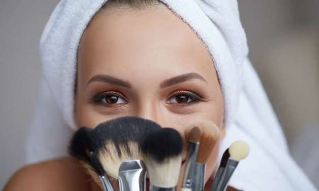 How Often To Clean Your Makeup Brushes – Advise By Skincare Expert