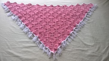 https://splendidexpressions.wordpress.com/2016/04/21/triangle-shawl-crochet-pattern/