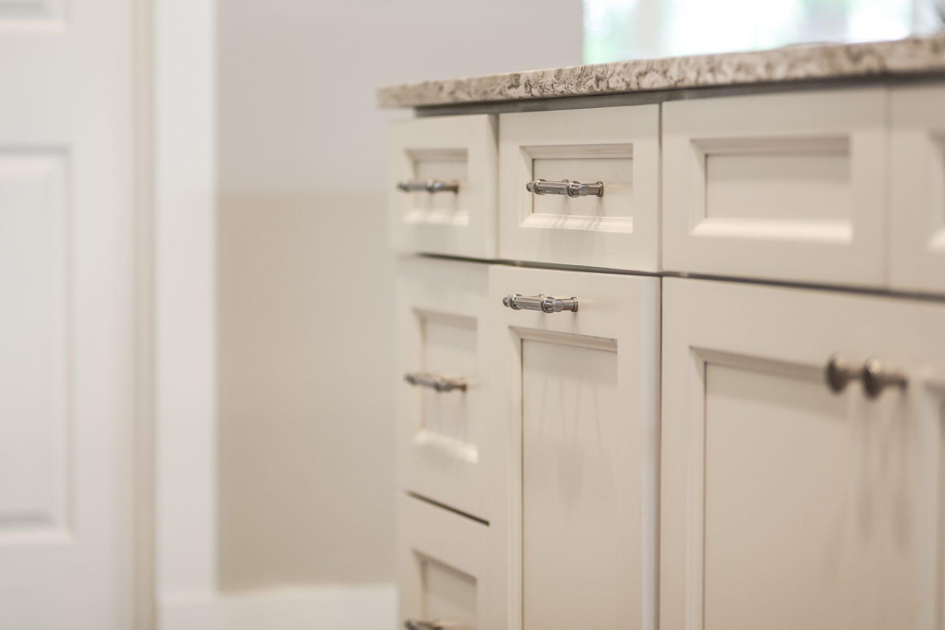 Fern Circle   Kitchen Cabinet and Hardware