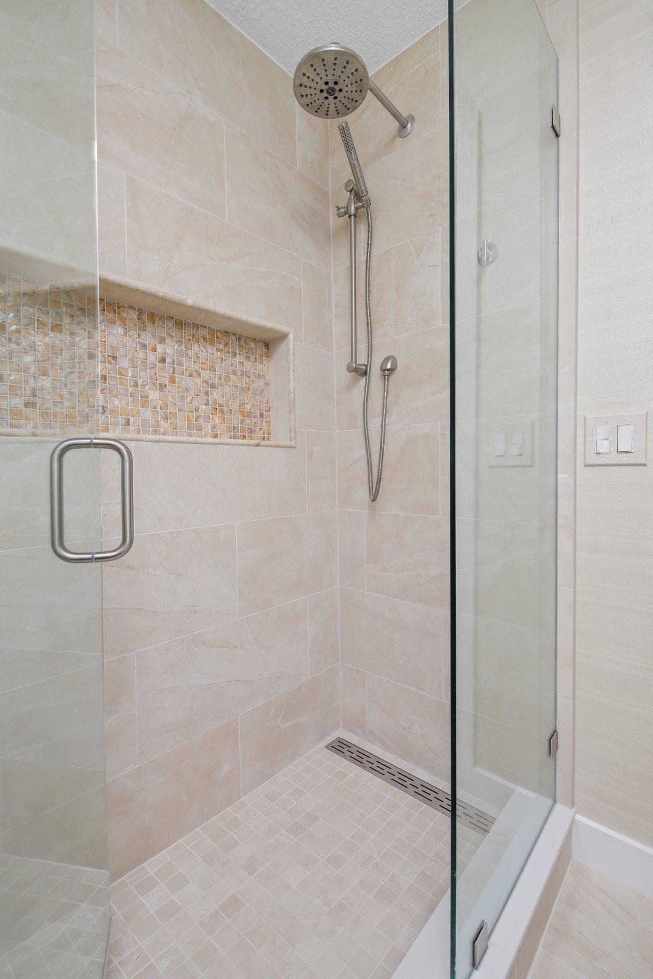 Shore Village Terrace | Guest Bathroom