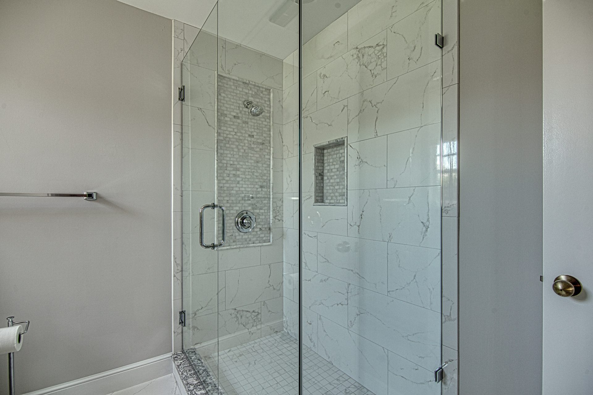 Seagrass Drive | Guest Bathroom Shower