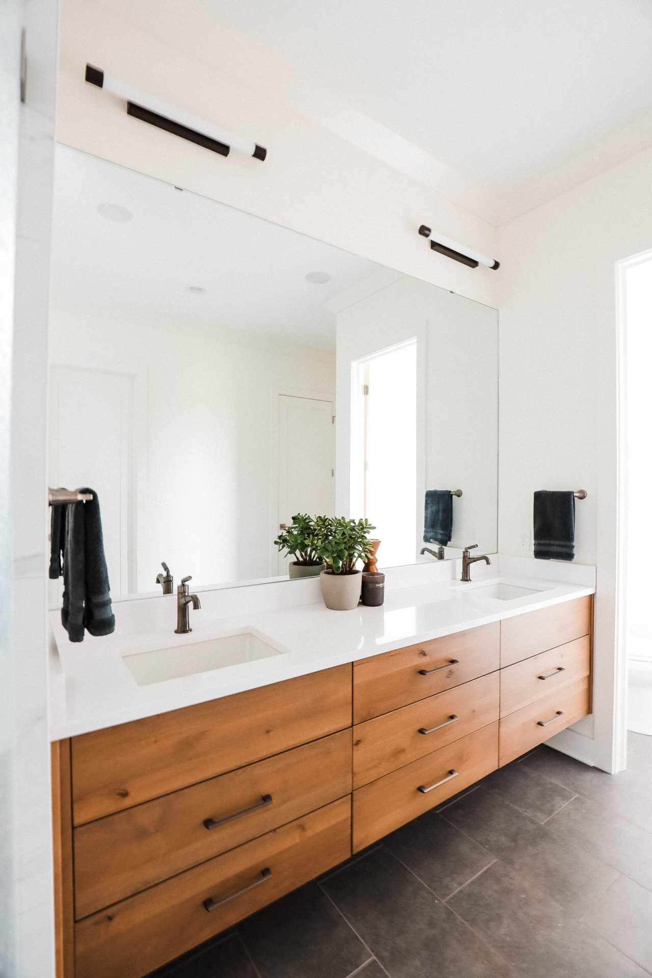 Indiana Mid Century | Master Bathroom