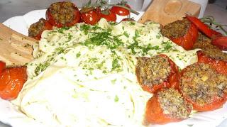 Tomatoes stuffed with pesto ciabatta