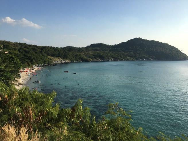 シーチャン島のビーチはシュノーケルはできる?,シーチャン島のビーチでシャワーの使い方,シーチャン島のビーチでの食事は?