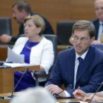 Cerar: Propadla prodaja NLB je stala okoli milijon evrov