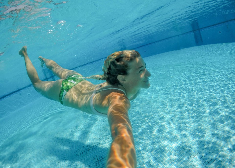 how to take half underwater photos with gopro