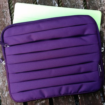 Review: Belkin Pleat Sleeve for iPad