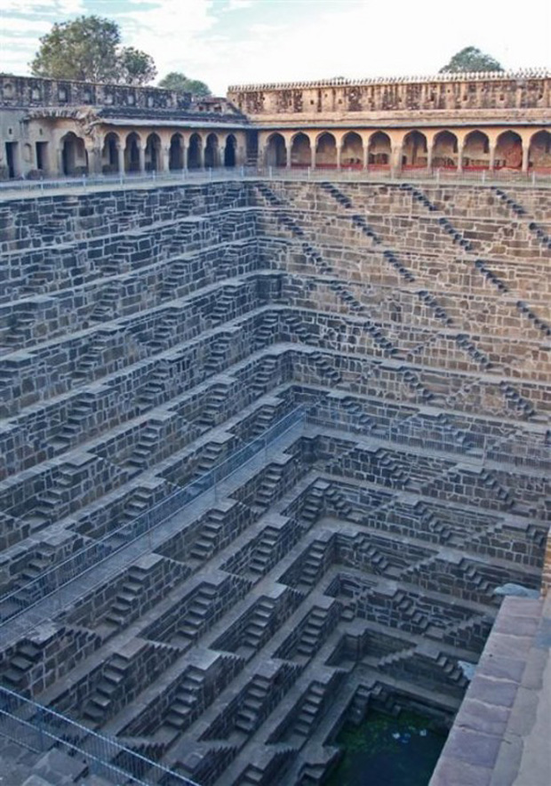 Chand Baori fountain in India