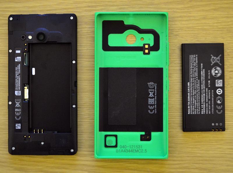 Nokia Microsoft Lumia 735 Selfie Phone - Taken Apart