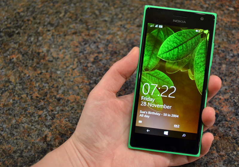 Nokia Microsoft Lumia 735 Selfie Phone