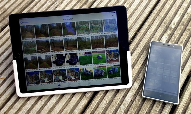 Microsoft Nokia Lumia 830 with iPad Air 2