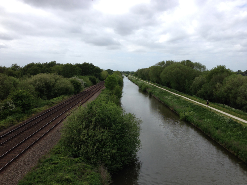 Walking in Lincolnshire - River and Railway