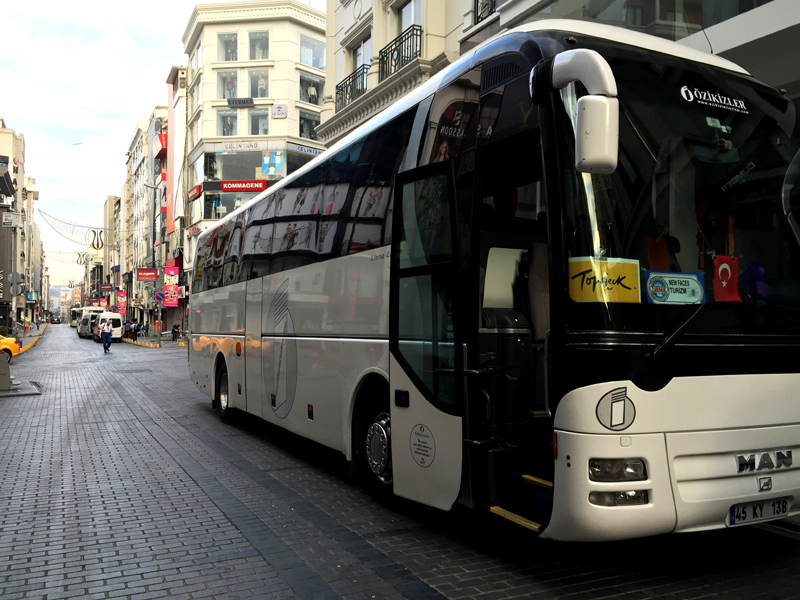 TopDeck Coach in Istanbul, Passing the Time | Splodz Blogz