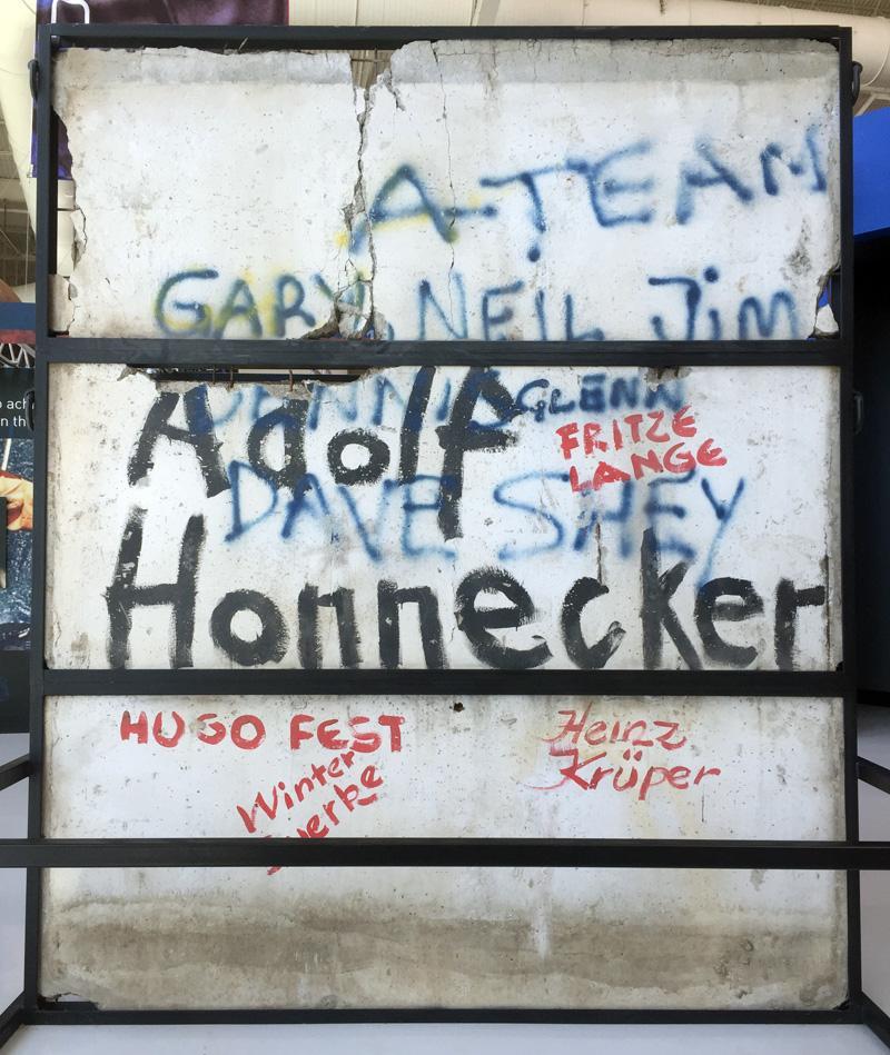 Zartusacan - The Berlin Wall