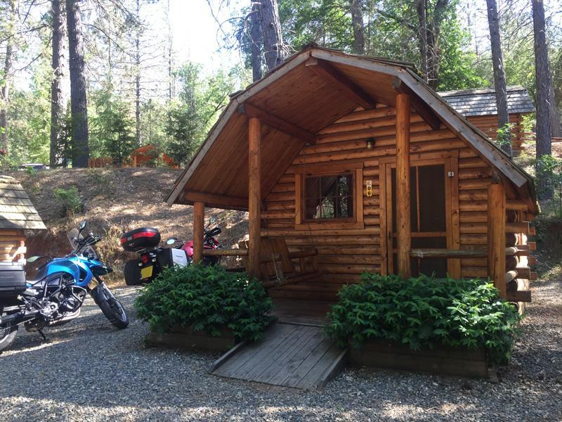 Zartusacan - Camping Cabin at KOA Yosemite West