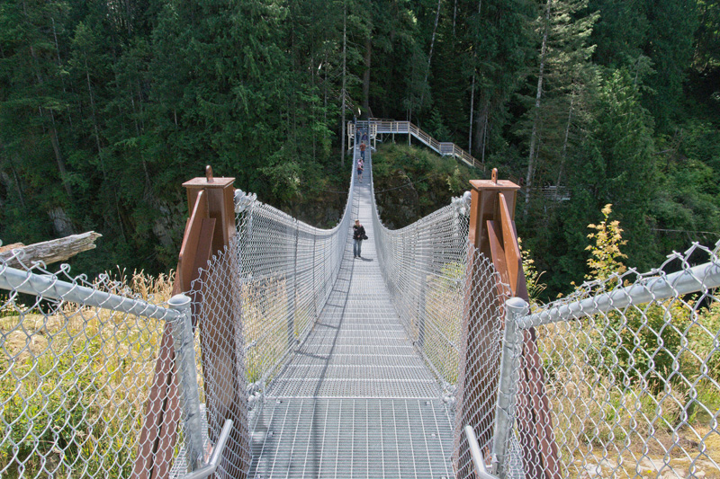 Splodz Blogz Zartusacan, Vancouver Island, Suspension Bridge
