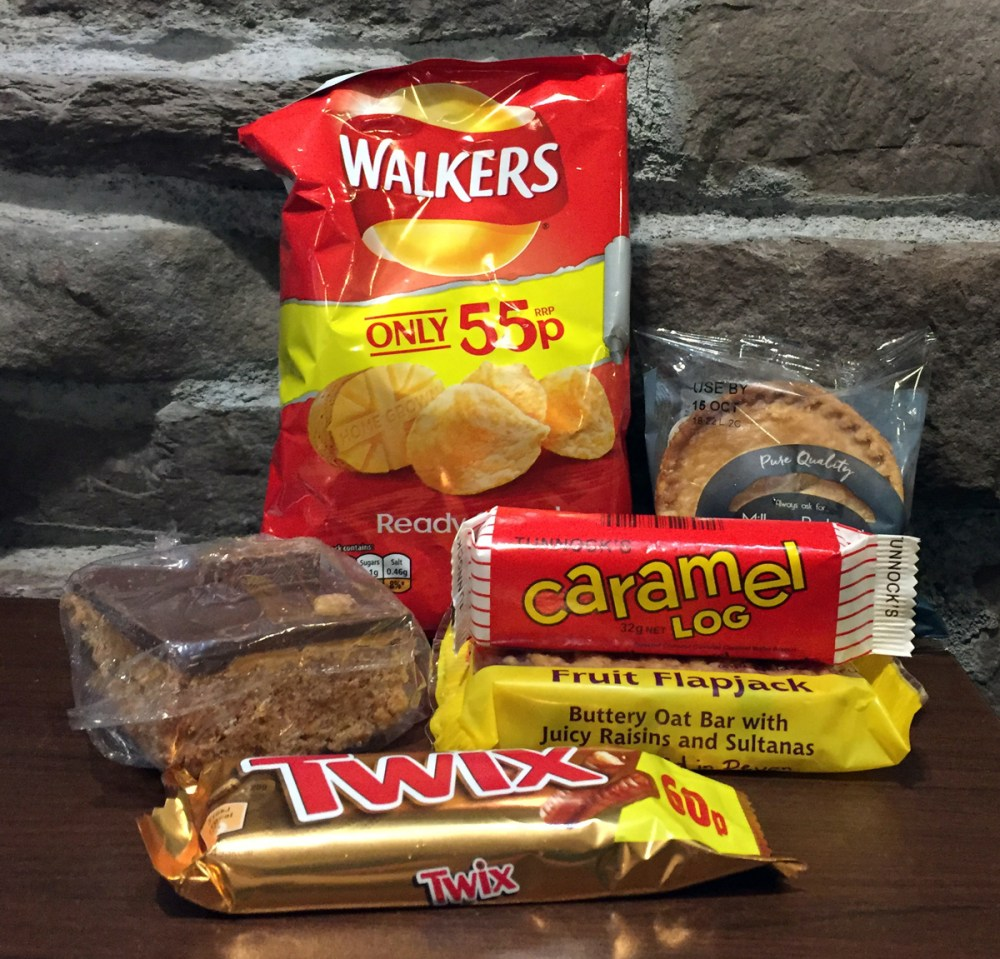 Splodz Blogz | Preparing for Rannoch Moor with a junk food packed lunch!
