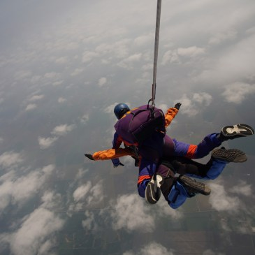 MY TANDEM SKYDIVE WITH NORTH LONDON SKYDIVING